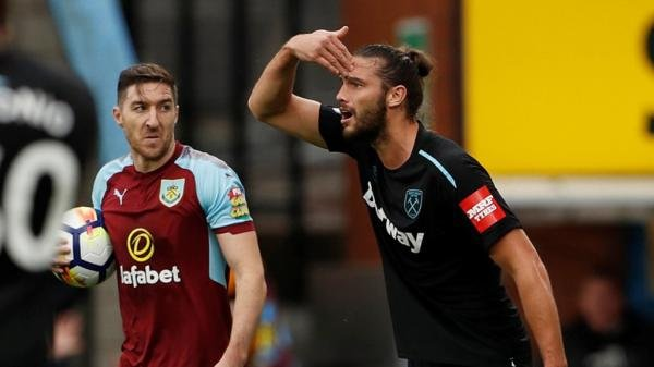 West Ham United striker Andy Carroll sent off against Burnley