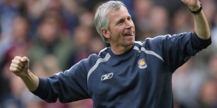 Alan Pardew tips West Ham United to challenge top six