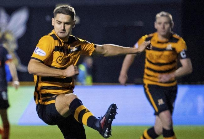 Celtic's very own Robbie Deas who's on loan to Championship club Alloa has grabbed his first senior career goal and salvaged a point in the club's 4-4 goal bonanza against Greenock Morton.