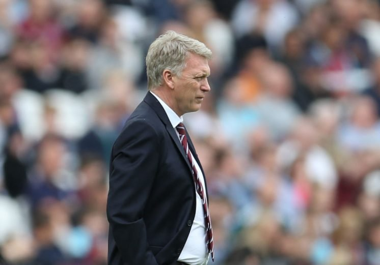 Ferguson to stay on as Everton caretaker boss for Man Utd trip