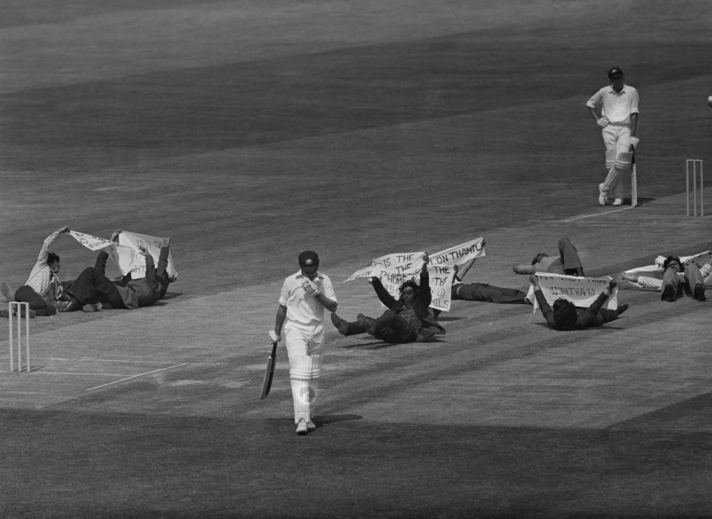 Dennis Oulds/Hulton Archive/Getty Images