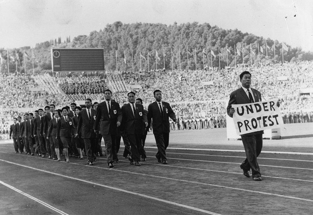 Douglas Miller/Hulton Archive/Getty Images